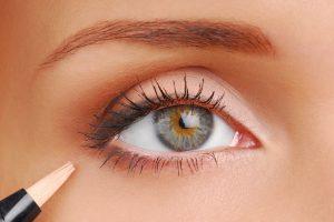 Когда можно пользоваться косметикой после блефаропластики?